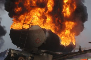 Seattle-Tractor-Trailer-Crash-Causes-Fire-Closes-Interstate-Image